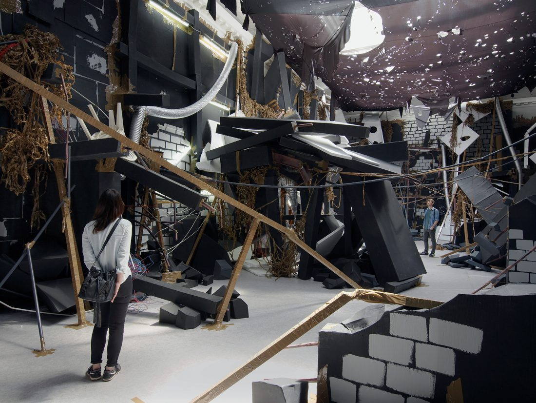 <p>Installation view of Thomas Hirschhorn's<em> In-Between</em>, 2015. Courtesy Thomas Hirschhorn. Photo: Andy Keate.</p>