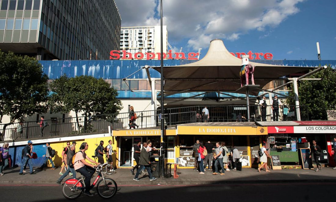 <p>Elephant and Castle shopping centre</p>