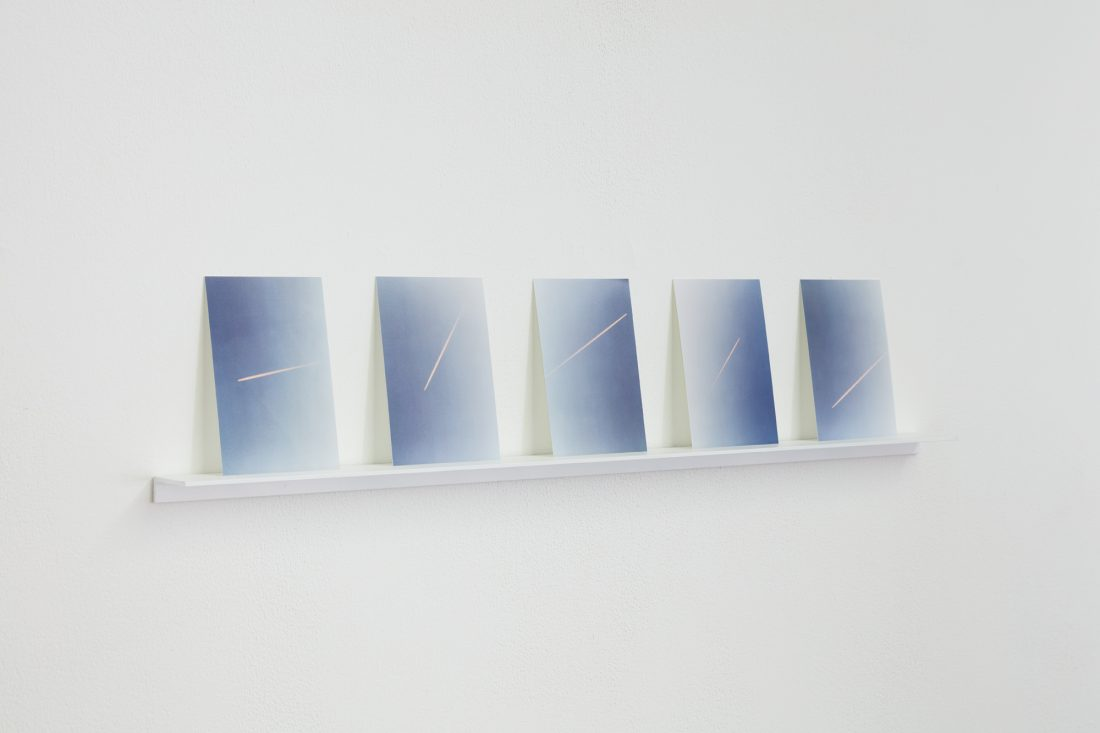 Ann Veronica Janssens: 5 lines of pink in the air, randomly, ​2020